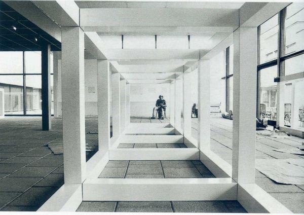 En busca del objeto espec fico minimal art croma cultura for Minimal art obras y autores