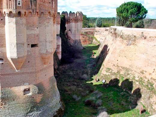 Foso del Castillo de Coca, Segovia.