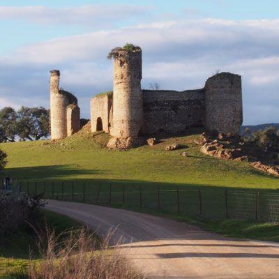 5.-Vista-del-castillo-de-Torres-en-el-Camino-de-Santiago-Vía-de-la-Plata.-Camino-El-Batrocal2